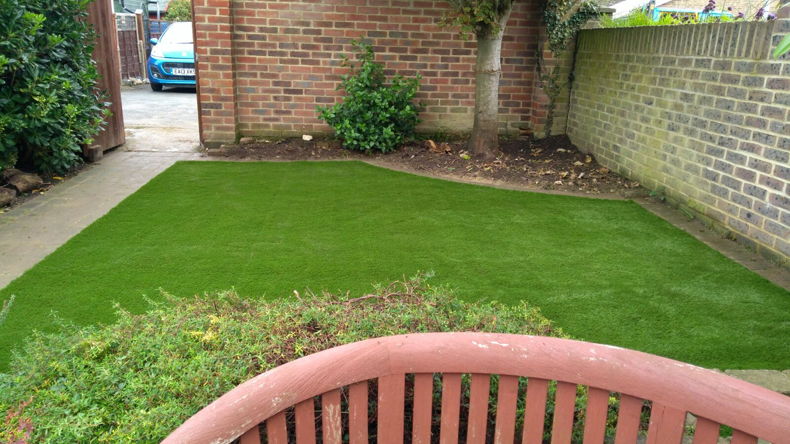 dog friendly artificial grass in east sussex by easigrass