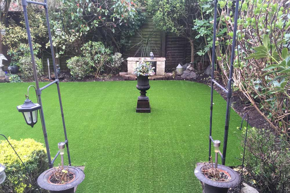 Artificial Lawns for Traditional Gardens - Sussex Artificial Grass Company