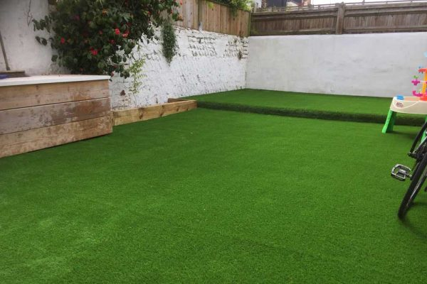 Courtyard Garden Ideas | The Sussex Artificial Grass Company